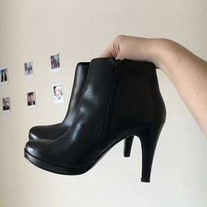 High heel ankle boots 🥾